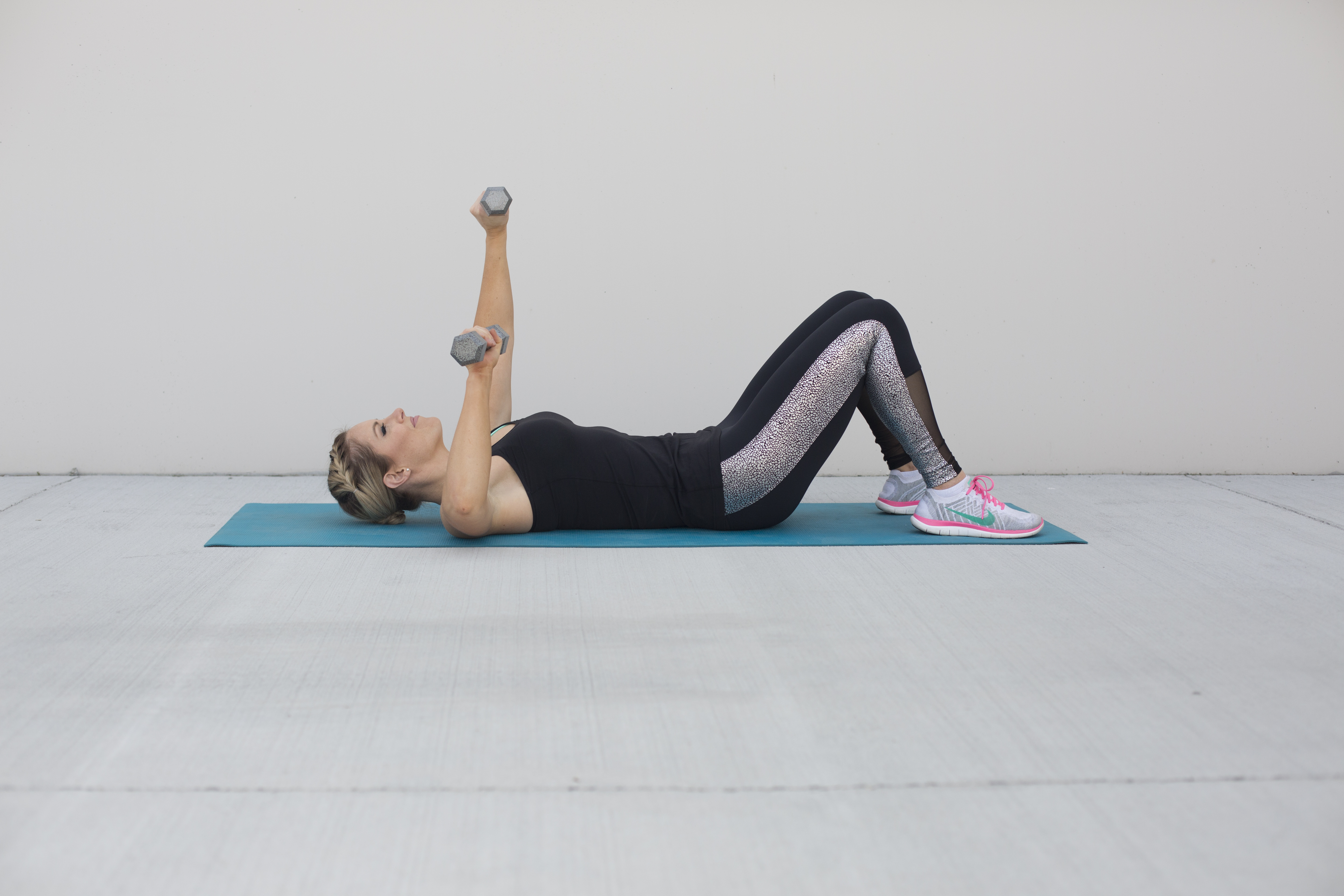 Single Arm Chest Press Exercise Step 2