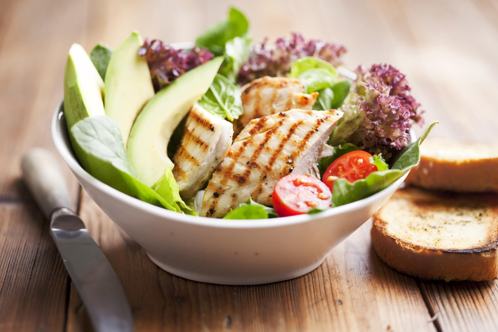 Chicken salad w/avocado and tomatoes