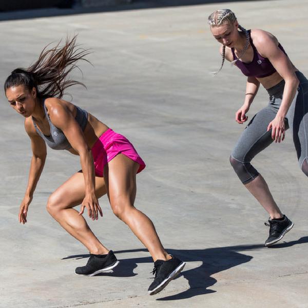 women running with the help of l glutamine
