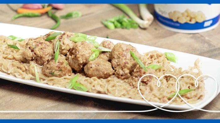 Zakochany Kundel | Spaghetti z Klopsikami Tajskimi