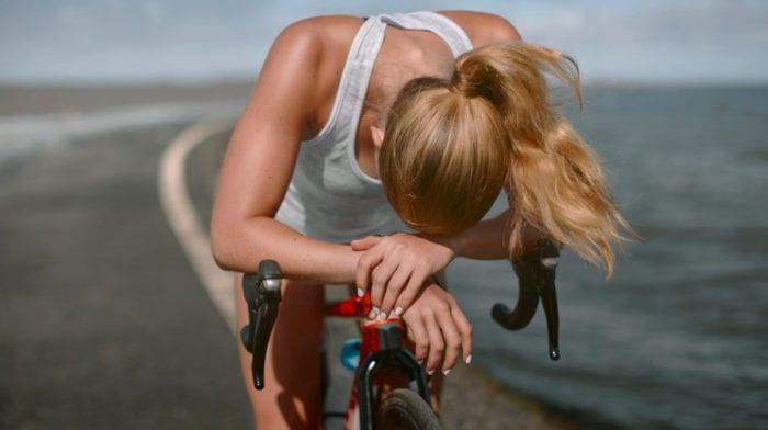Trening interwałowy na rowerze stacjonarnym | Spal kalorie i pozbądź się tłuszczu | Popraw swoją wydolność