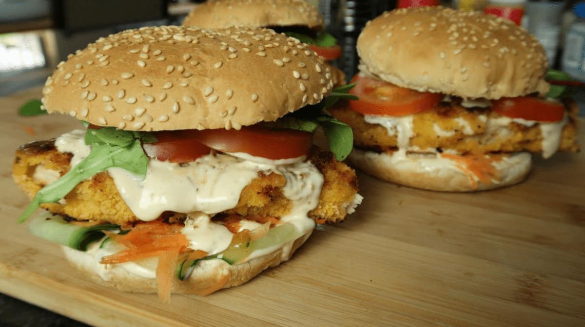 Burgery z Kurczakiem i Słodkim Chilli
