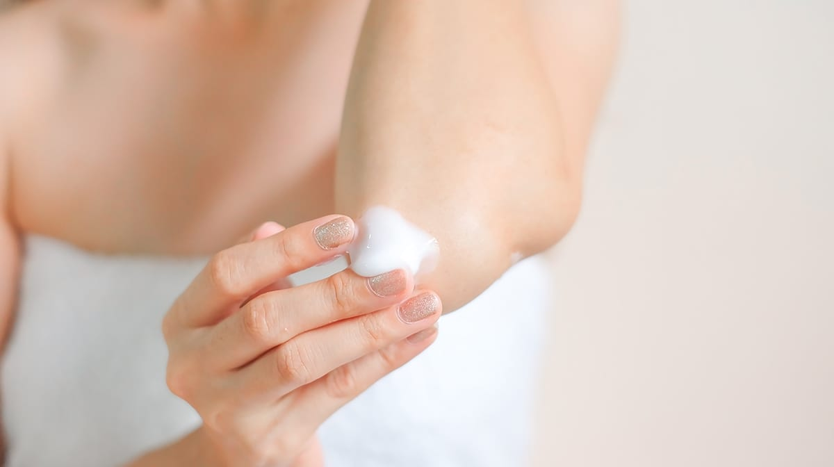 What causes really dry skin?