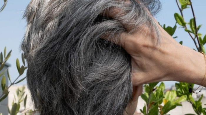 Comment cacher vos cheveux blancs ?