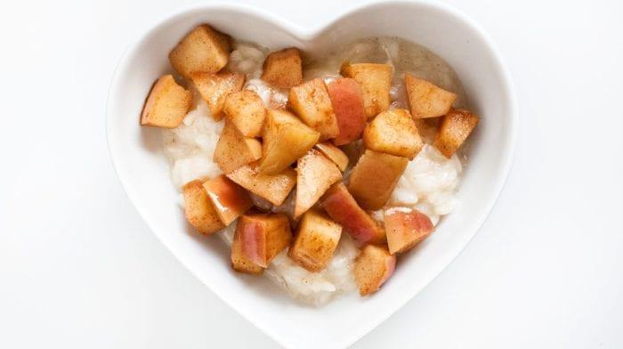 Vanilková mliečna ryža na sladko | S proteínom a jablkami