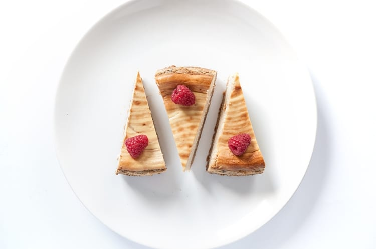 Dvojvrstvový Fit Cheesecake S Malinami A Bielou Čokoládou