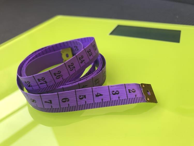 Ako správne cvičiť a nesústrediť sa na váhu