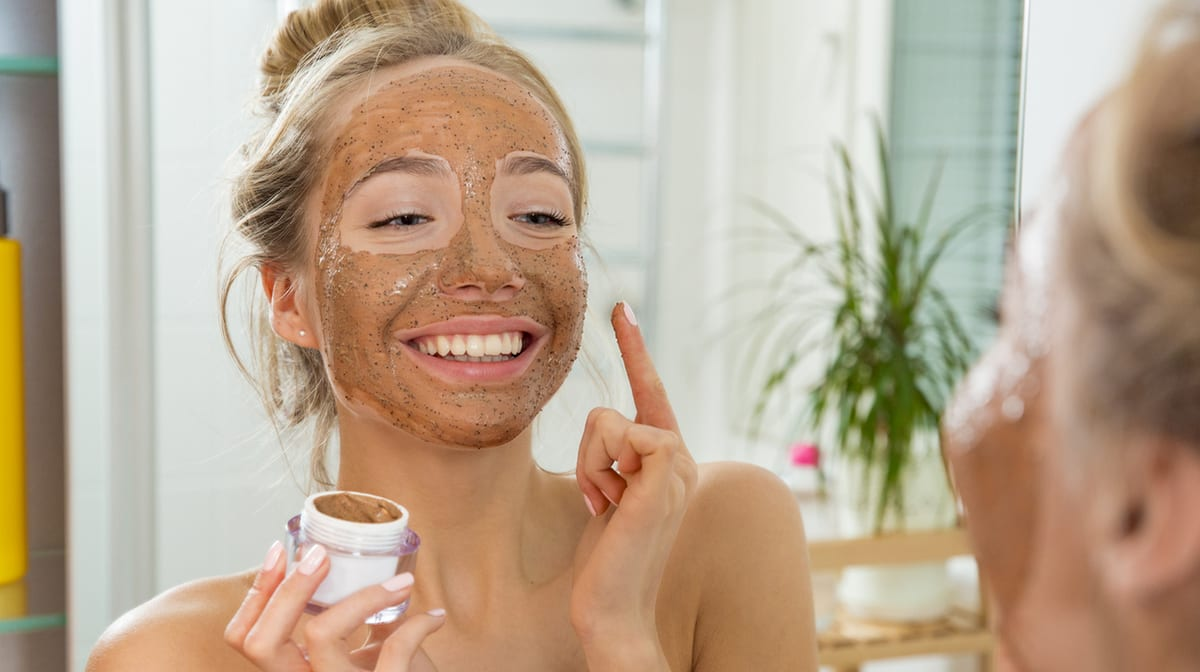 5 EXFOLIATING FACE SCRUBS