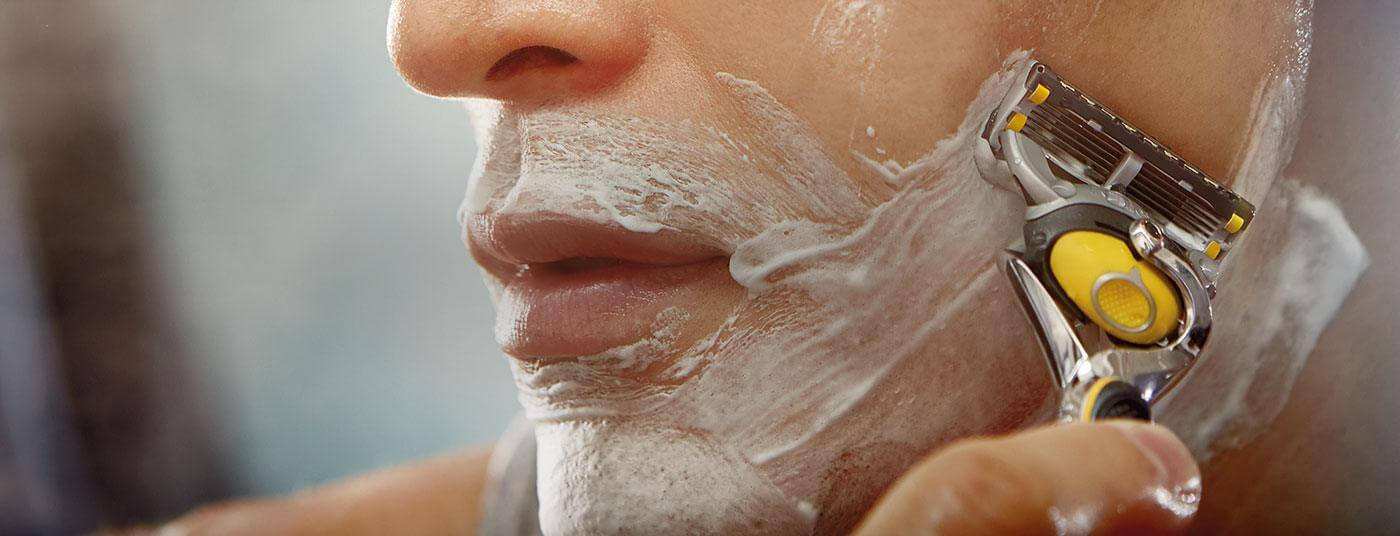 How to Manage Razor Bumps and Ingrown Hairs with These Easy Tips