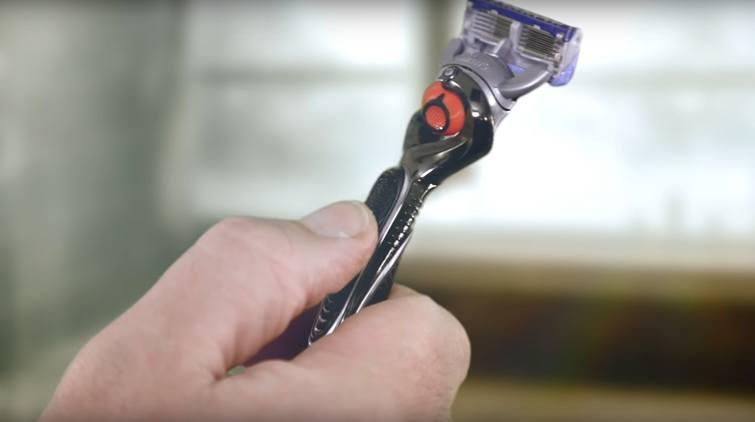 Gillette Fusion5 ProGlide in hand