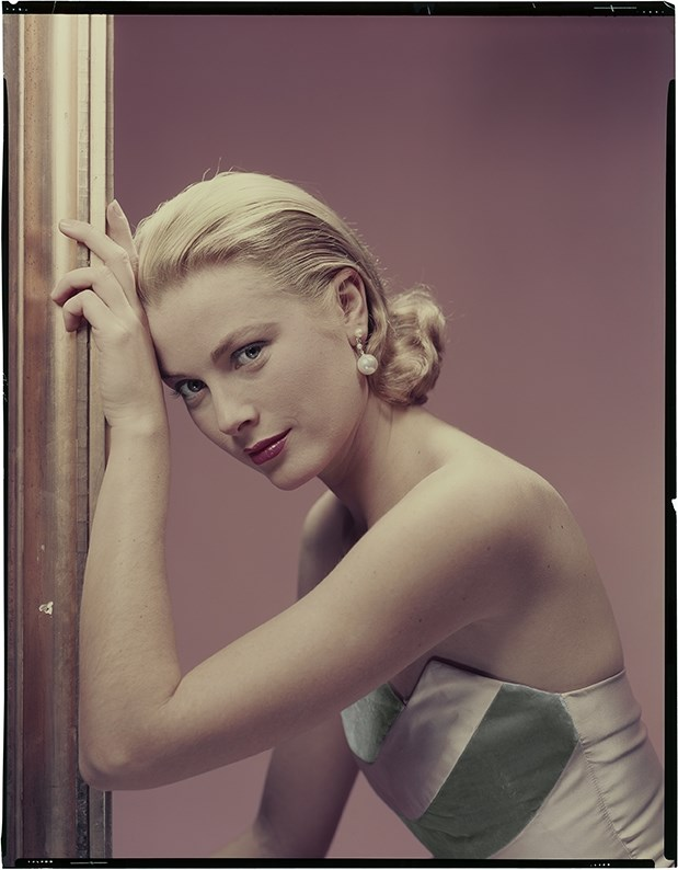 Photography by Erwin Blumenfeld, courtesy of Somerset House