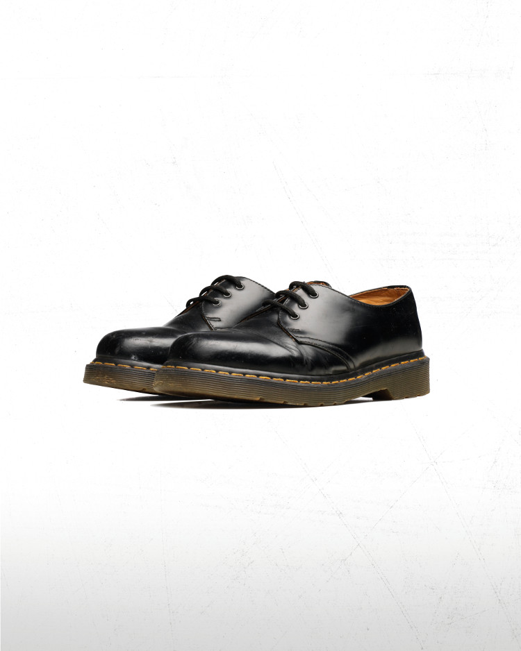 Buyer's-Guide-to-Dr-Martens-Shoes-2