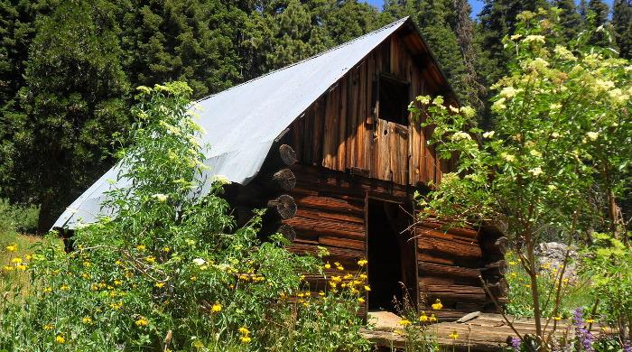 Wooden cabin porn