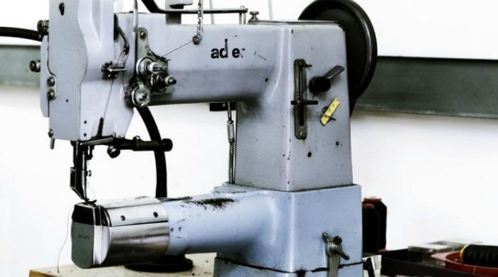 A sewing machine at Yvonne Koné factory.