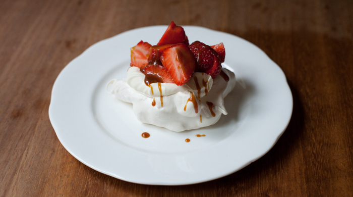strawberry balsamic caramel meringues