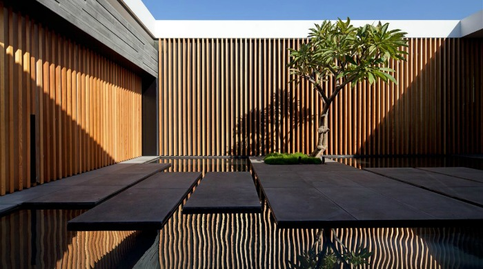 The courtyard of the Float House.