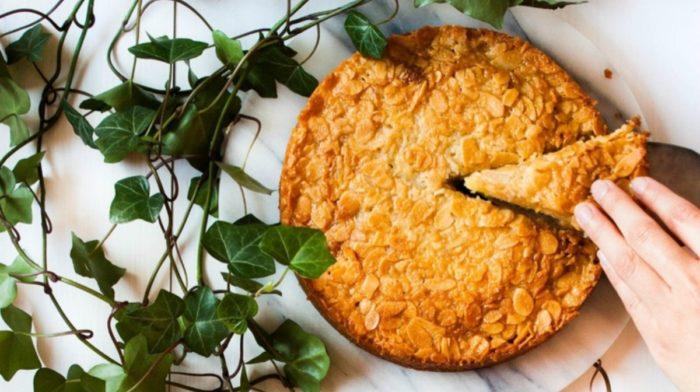 Toscakaka - Nordic Caramel Almond Cake