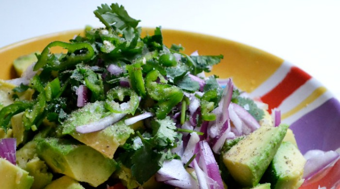 salsa-guacamole-tortilla-chips-7