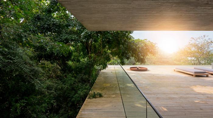 jungle house balcony
