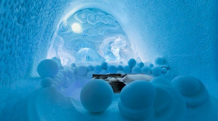 A room in the Ice Hotel Jukkasjärvi.