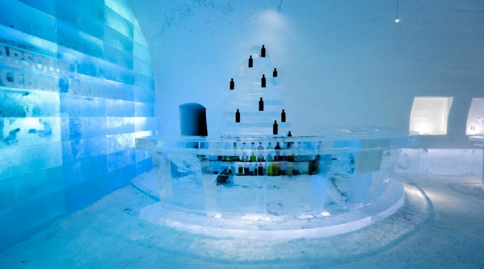 A bar in the Ice Hotel Jukkasjärvi.