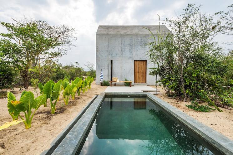 casa tiny swimming pool