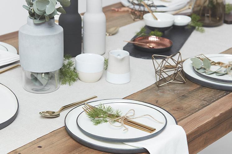 Simple Christmas table