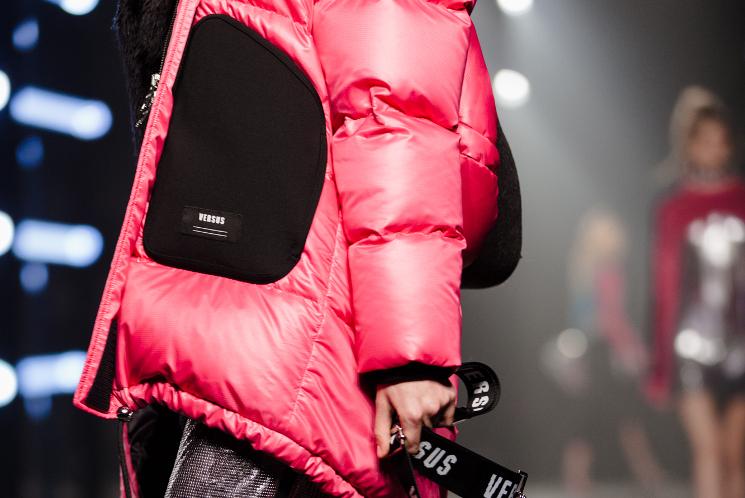 versus versace aw17 pink puffer jacket