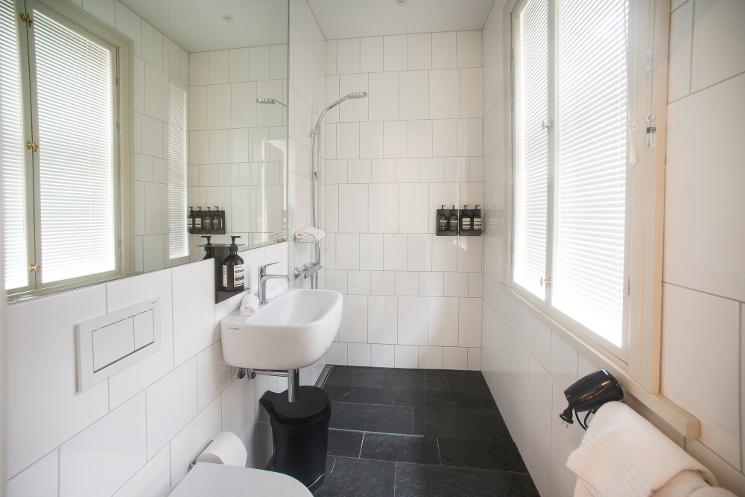 villa terminus bathroom