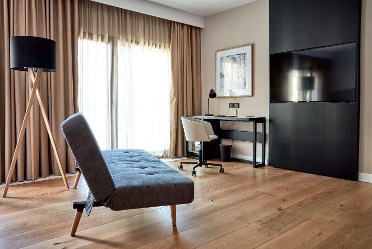 nakar hotel sofa suite