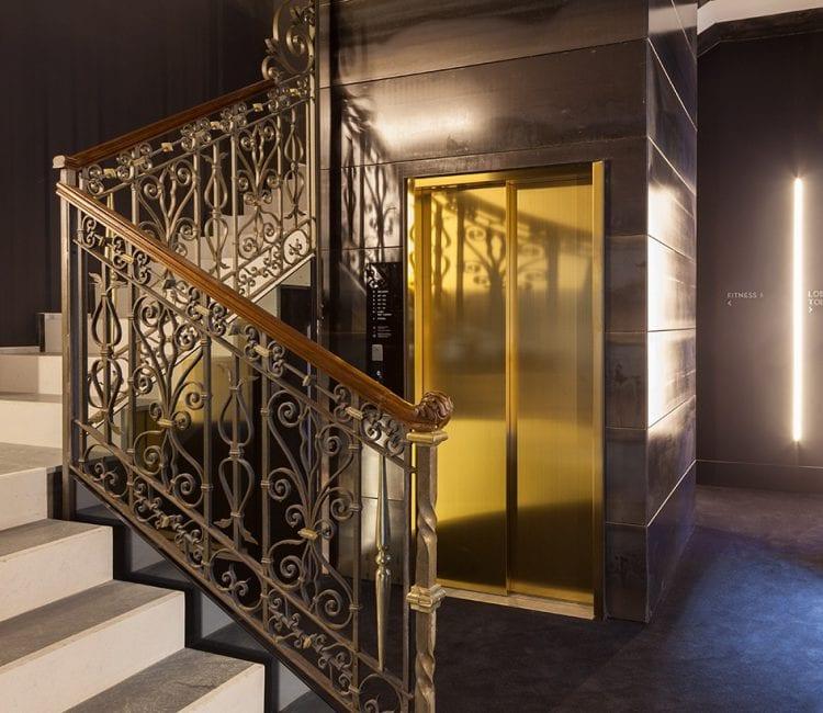 Scale_e_ascensore_Senato_Hotel_Milano