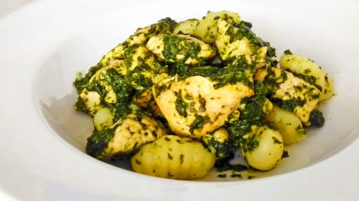 Recept: Špenátové gnocchi s kuřecím masem